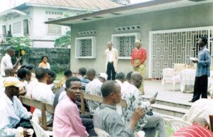 2007: Rencontre avec les fonctionnaires